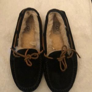 UGG SLIPPERS WOMENS SIZE 9